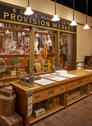 Exhibit of the Provision Market at the SPAM museum.